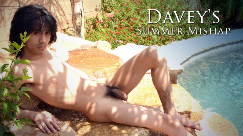 DAVEY'S SUMMER MISHAP